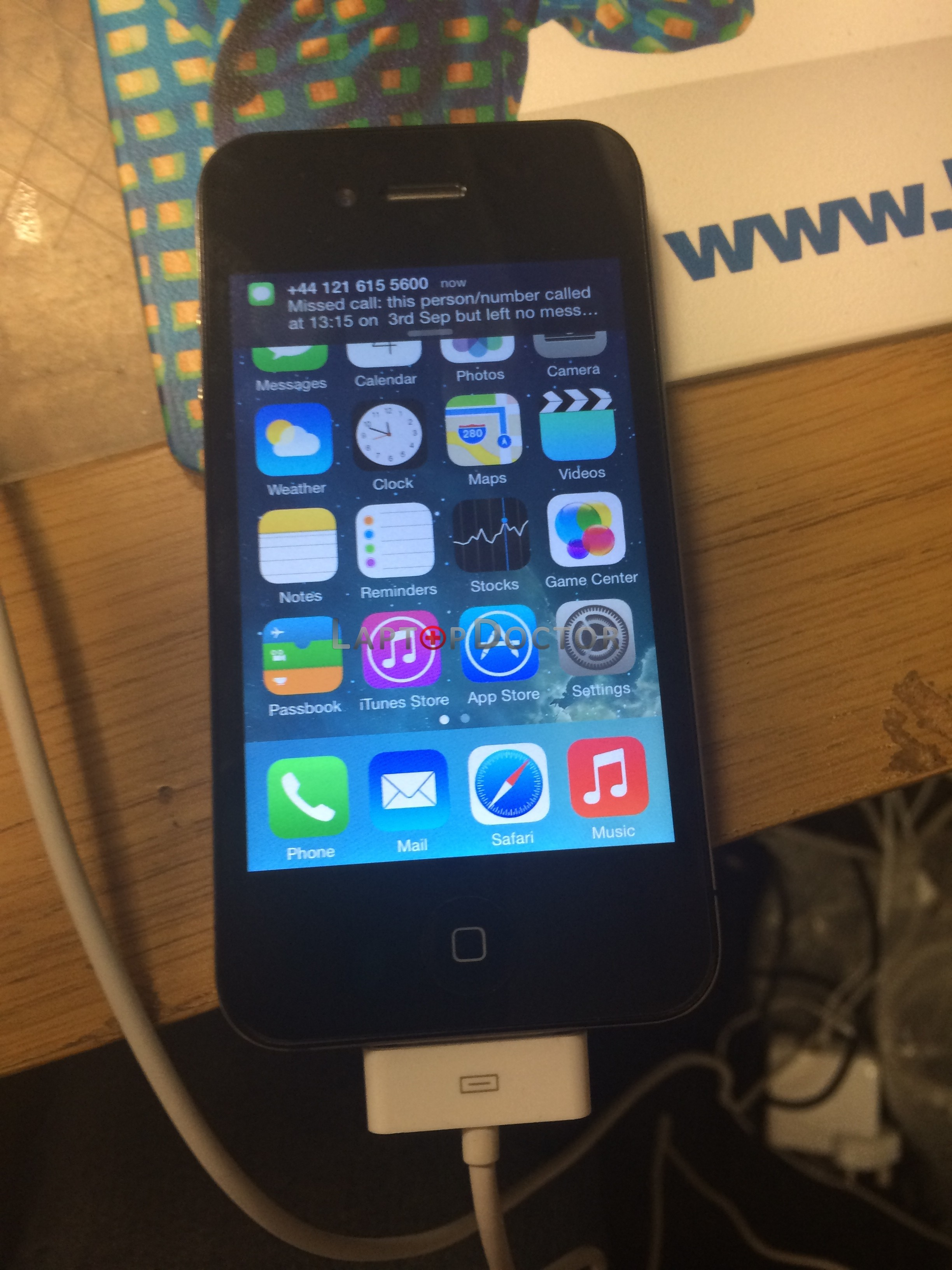 how to connect iphone 4s to laptop